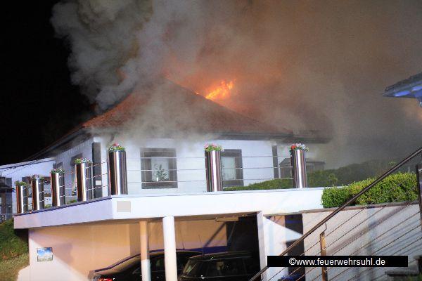Suhl Mäbendorf brand zerstört wohnhaus in mäbendorf freiwillige feuerwehr suhl